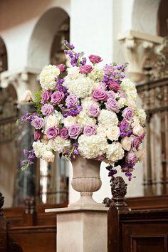 Kristen Weaver Photography; wedding ceremony flower;