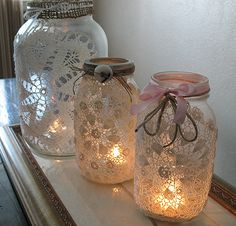 Mason jar crafts are infinite. Mason jars are usually used for decorators, wedding gifts, gardening ideas, storage and other creative crafts. Here are some Awesome DIY Mason Jar Crafts & Projects that can help you reuse old Mason Jars for decoration Lace Mason Jars, Mason Jar Crafts, Mason Jar Lamp, Candle Jars, Glass Candle, Glass Lanterns, Mason Jar Lanterns, Candle Containers, Mason Jar Lighting