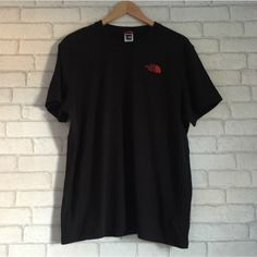 0bfc35670ada GENUINE The North Face Large Men s Crew Neck T-shirt Black with Red logo on