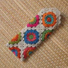 Transcendent Crochet a Solid Granny Square Ideas. Inconceivable Crochet a Solid Granny Square Ideas. Crochet Diy, Crochet Case, Crochet Phone Cases, Crochet Motifs, Crochet Purses, Crochet Squares, Love Crochet, Crochet Gifts, Crochet Flower