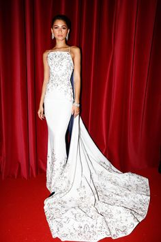 Zendaya at the Ralph and Russo after party during Haute Couture Fashion Week in Paris Celebrity Wedding Dresses, Red Wedding Dresses, Gala Dresses, Red Carpet Dresses, Zendaya Outfits, Zendaya Style, Zendaya Dress, Celebrity Red Carpet, Celebrity Style
