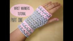 This step by step tutorial will show you how to crochet easy wrist warmers / fingerless gloves which can be made in any size. These pretty wrist warmers are . Easy Crochet, Crochet Baby, Free Crochet, Knit Crochet, Crochet Beanie, Flower Crochet, Crochet Butterfly, Chunky Crochet, Tunisian Crochet