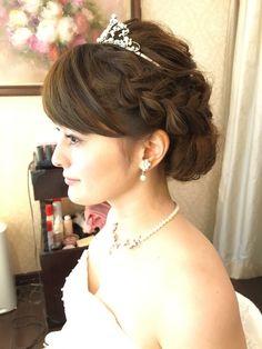 挙式ヘア2 Wedding Photos, Hairstyle, Bride, Fashion, Wedding Pics, Wedding Bride, Moda, Hair Style, Wedding Shot