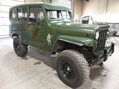 """It featured the Willys """"Go-Devil"""" engine, developed by Delmar """"Barney"""" Roos. Willys refined the Quad and built units of the Willys MA model, many of which were used in WWII. Jeep Tj, Jeep Truck, Jeep Pickup, Pickup Trucks, Mercedes S320, Vintage Jeep, Vintage Cars, Willys Wagon, Jeep Cherokee"""