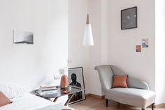 """Simona Ortolan on Instagram: """"Ancora più in questo periodo... vorrei avere un angolino come questo in camera da letto! 😍 . . Photo @wemakeapair styling @ilpampano  Home…"""""""