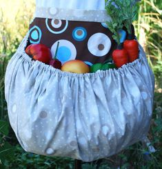 Gathering apron for harvest! This is a link to purchase them on Etsy... I'm saving it because I think it would be pretty easy to make one! Great idea!