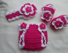 Your little girl will look absolutely adorable in these cute little lilac baby mary jane booties, hat and diaper cover,trimmed in white and adorned with lilac and white crochet flower embellishments and a white matte button closure. Give as a gift, keep for yourself or use as a photo prop in your little ones pics.  Sizes Available: 0/3 months 3/6 months 6/9 months  PUT IN COMMENT SECTION WHAT SIZE YOU WOULD LIKE. IF NO SIZE IS GIVEN, 0/3 MONTHS WILL BE SENT. THANKS.  MY IT...