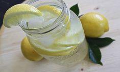 A citromos víz 11 olyan vitális előnye, amit eddig biztosan nem tudtál! Sokan csak akkor kezdenek el citromos vizet inni, amikor pl. jógázni kezdenek. A legtöbben a vizet/ásványvizet mindenféle ízesítés nélkül isszák, azonban mától biztosan citromosan fogod inni, ha meglátod, mennyivel jobbat tesz az egészségednek!