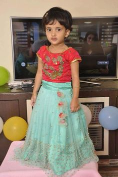 #PartyFrocks Kids Dress Wear, Dresses Kids Girl, Baby Dress, Kids Outfits, Kids Wear, Kids Gown Design, Frock Design, Kids Saree, Kids Lehenga