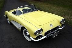 Vintage Trucks Example of Panama Yellow paint on a 1958 GM Corvette Classic Chevy Trucks, Classic Cars, Classic Auto, Yellow Corvette, 1958 Corvette, Us Cars, Vintage Trucks, Chevrolet Corvette, Motor Car