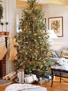 emerald is a traditional color, and it may be a stylish choice for a monochrome tree