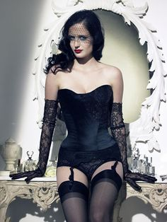 Eva Green corset | Love celebrities in corsets, follow us here --> http://www.pinterest.com/thevioletvixen/celebrities-in-corsets/
