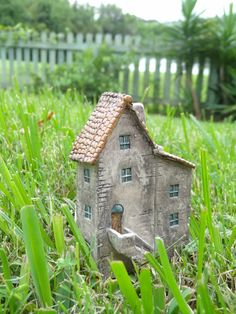 Miniature old house with stairs- OOAK ceramic porcelain mini house 1:144th inch scale sculpture