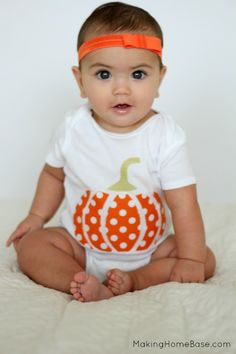 No sew pumpkin applique onesie for baby. Cutest Halloween outfit!
