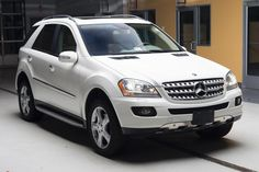 Mercedes Benz ml 350 love this car I want it one day