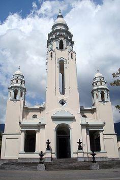 Pantheon to the great men of Venezuela by Marcio Cabral de Moura,