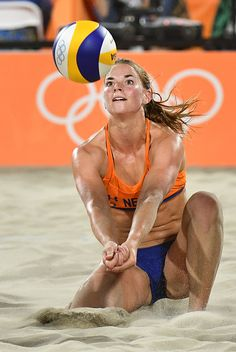 Jantine van der Vlist of the Netherlands plays a shot during the women's beach volleyball qualifying match between Germany and the Netherlands at the. Beach Volleyball Girls, Women Volleyball, Laura Ludwig, Foto Sport, Female Volleyball Players, Beautiful Athletes, Sporty Girls, Rio 2016, Action Poses