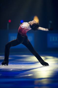 Yuzuru HANYU 羽生結弦 2013TEB http://www.flickr.com/photos/skateeelinpaas/10916244245/