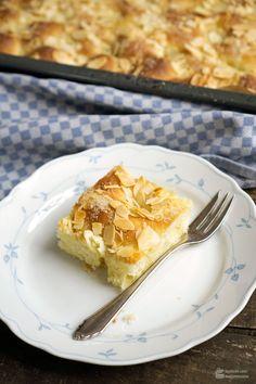 Butterkuchen mit Mandeln vom Blech | Madame Cuisine Rezept