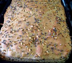 Receita de Pão sem glúten feito com farinha de grão-de-bico. Super macio e gostoso!