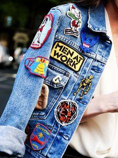 Gepimpte Jeansjacke mit Patches.