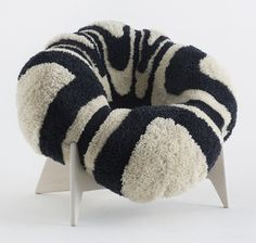 "Poltrona ""Ôhk"" - desmontável e desinflável - na Stockholm Furniture Fair Sofa Chair, Armchair, Cozy Furniture, Chair Design, Stockholm, Home Art, Interior, Inspiration, College"