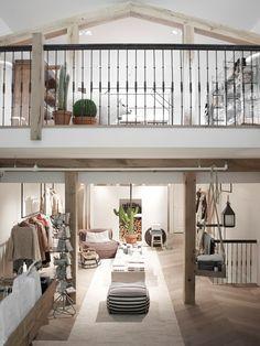yaya concept store amstelveen winkel ontwerp winkel interieur winkelpuien commercile interieurs cafe