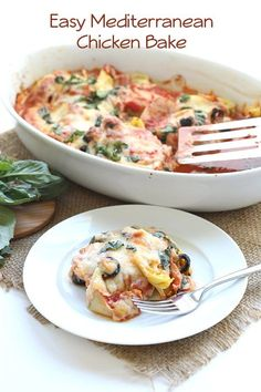 Low Carb Easy Mediterranean Chicken Bake Used (Made with no olives) Monterey Jack Parmesan Feta Zucchini Peppers Onions Topped with fresh spinach (took 60 minutes to finish 2 cut up chicken breasts) Served with whole grain noodles Mediterranean Chicken Bake, Mediterranean Dishes, Easy Mediterranean Diet Recipes, Low Carb Recipes, Cooking Recipes, Healthy Recipes, Baked Chicken, Chicken Recipes, Fresh Chicken