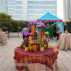 Arabian nights party theme- love the tent in the back! Arabian Nights Theme Party, Arabian Theme, Arabian Party, Arabian Decor, Moroccan Party, Moroccan Theme, Indian Party, New Years Party, Birthday Party Themes