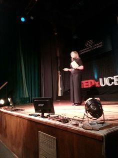 Una verdadera educadora, #MarianaMaggio, viene a #TEDxUCES a enseñarnos un par de cosas.