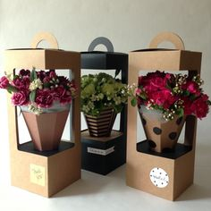 Explora artículos únicos de FloralPackage1979 en Etsy, un mercado global de productos hechos a mano, vintage y creativos.