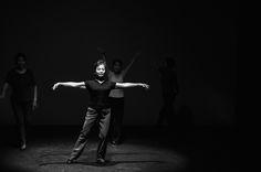 """""""50/60"""" di Wang Menfang, è uno dei due appuntamenti con la Cina. Lo spettacolo vede protagoniste un gruppo di donne che praticano una danza popolare di strada, un esercizio fisico di routine che ha radici sia nell'antica che nella moderna storia cinese. #VIEFestival2016 #emiliaromagnateatro #modena #bologna #carpi #vignola #pechino #china #coreographer #multicultural #festival #woman"""