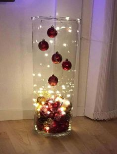 New Pictures Xmas crafts grinch Thoughts Going for a nights Christmas time build plan brainstorming. Easy Christmas Decorations, Christmas Lanterns, Christmas Centerpieces, Christmas Wreaths, Christmas Ornaments, Table Centerpieces, Silver Christmas, Simple Christmas, Christmas Holidays