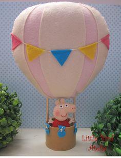 Peppa no balão, pode ser usado como centro de mesa. Contato no littlebirdatelie@gmail.com