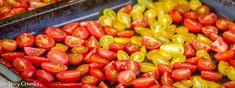Pasta z pečených rajčat (Spicy Crumbs) Spicy, Pasta, Stuffed Peppers, Vegetables, Food, Meal, Stuffed Pepper, Essen, Vegetable Recipes