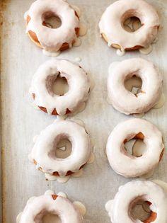 vanilla bean baked donuts with glaze