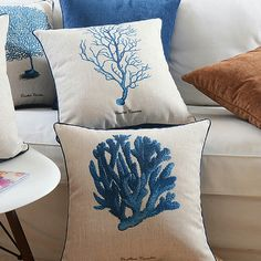 Hamptons House, The Hamptons, Home Furniture, Throw Pillows, Bed, Toss Pillows, Home Goods Furniture, Cushions, Stream Bed