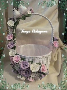 Wedding Gift Wrapping, Wedding Gifts, Wedding Arrangements, Floral Arrangements, Easter Baskets, Gift Baskets, Flower Girl Basket, Basket Decoration, Basket Weaving