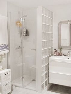 Bathroom decor for your bathroom remodel. Discover bathroom organization, bathroom decor ideas, bathroom tile ideas, bathroom paint colors, and more. Bathroom Layout, Modern Bathroom Design, Bathroom Interior Design, Restroom Design, Glass Bathroom, Small Bathroom, White Bathroom, Dyi Bathroom, Master Bathroom