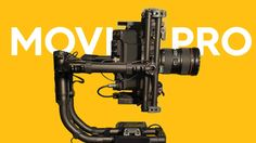 Über unseren Gimbal zur Kamera-Stabilisiering und was das für unsere Kunden bedeutet. Bei der Filmproduktion für unsere Kunden geht es immer um eines: Die Inhalte und Aussagen unserer Kunden für die jeweilige Zielgruppe visuell ansprechend zu verpacken. Bei unserer Filmproduktion ist eine bewusste Wahl unserer hochwertigen Werkzeuge unabkömmlich. Oftmals sagt man gerne es kommt nicht auf die Ausrüstung
