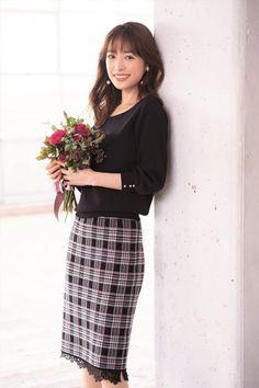 Pencil Skirt Outfits, Pencil Skirt Black, Pencil Skirts, Skirt Fashion, Fashion Outfits, Summer Work Outfits, Office Outfits, Korean Dress, Office Fashion Women