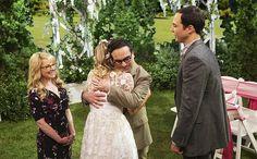 Bernadette, Penny, Leonard and Sheldon. TBBT