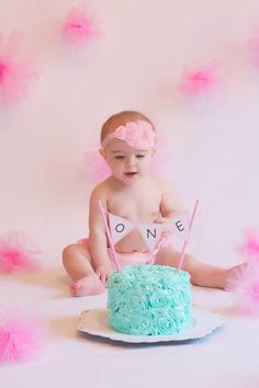 First Birthday Cake Smash. Photo by Kristina Duran