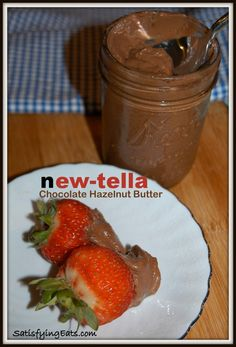 New-Tella Chocolate Hazelnut Butter! This recipe is full of flavor and REAL ingredients unlike the real Nutella that contains 80% sugar and oil! | www.satisfyingeats.com