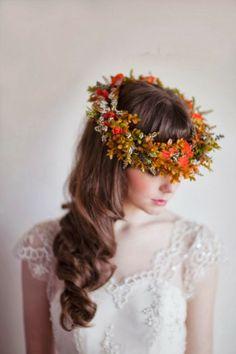 corona de flores novia estilo provenzal para este 2015 #tocadosnovias #novias2015