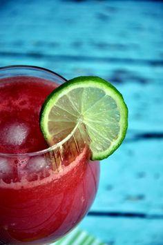 6 przepisów na orzeźwiające napoje na lato - Moja Pasja Smaku Mojito, Watermelon, Lime, Fruit, Food, Limes, Essen, Meals, Yemek