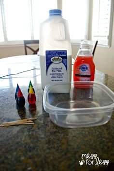 Mess For Less: Exploding Milk Experiment Been doing this for years! The kids LOVE it! I use q-tips instead of tooth picks Science Activities For Kids, Science Fair Projects, Preschool Science, Teaching Science, Science For Kids, Infant Activities, Science Fun, Science Ideas, Nursery Activities