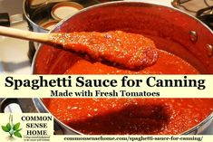 Never buy spaghetti sauce from the store again.This homemade canning spaghetti sauce recipe is slow cooked and loaded with flavor. Spaghetti Sauce From Scratch, Canned Spaghetti Sauce, Canning Homemade Spaghetti Sauce, Oven Canning, Canning Recipes, Pressure Canning, Canning Vegetables, Canning Tomatoes, Pesto