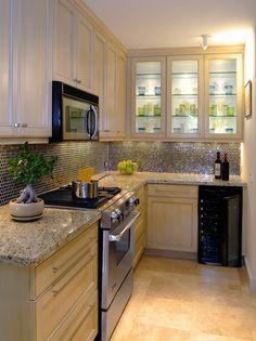 Clean crisp kitchen decor by Wendt Design Group Kitchen Decor, Kitchen Design, Kitchen Ideas, Crisp Kitchen, Houston, Corporate, Cuisines Design, Cabinet Doors, Decoration