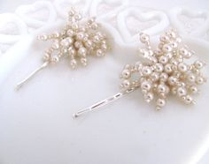 vintage pearl cluster hairpins from AcuteDesigns